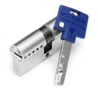 Cilindro Mul-T-Lock com Chave de Serviço